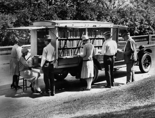 Cincinnati Bookmobile c1927