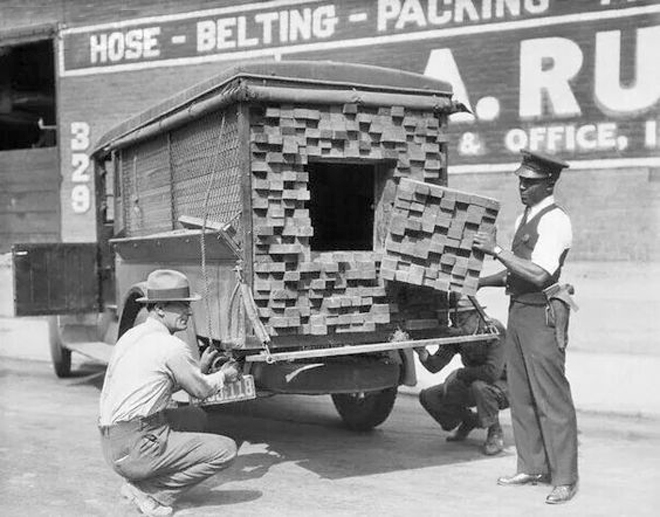 1921 Bootleggers Vehicle